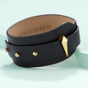 Leather adjustable cuff